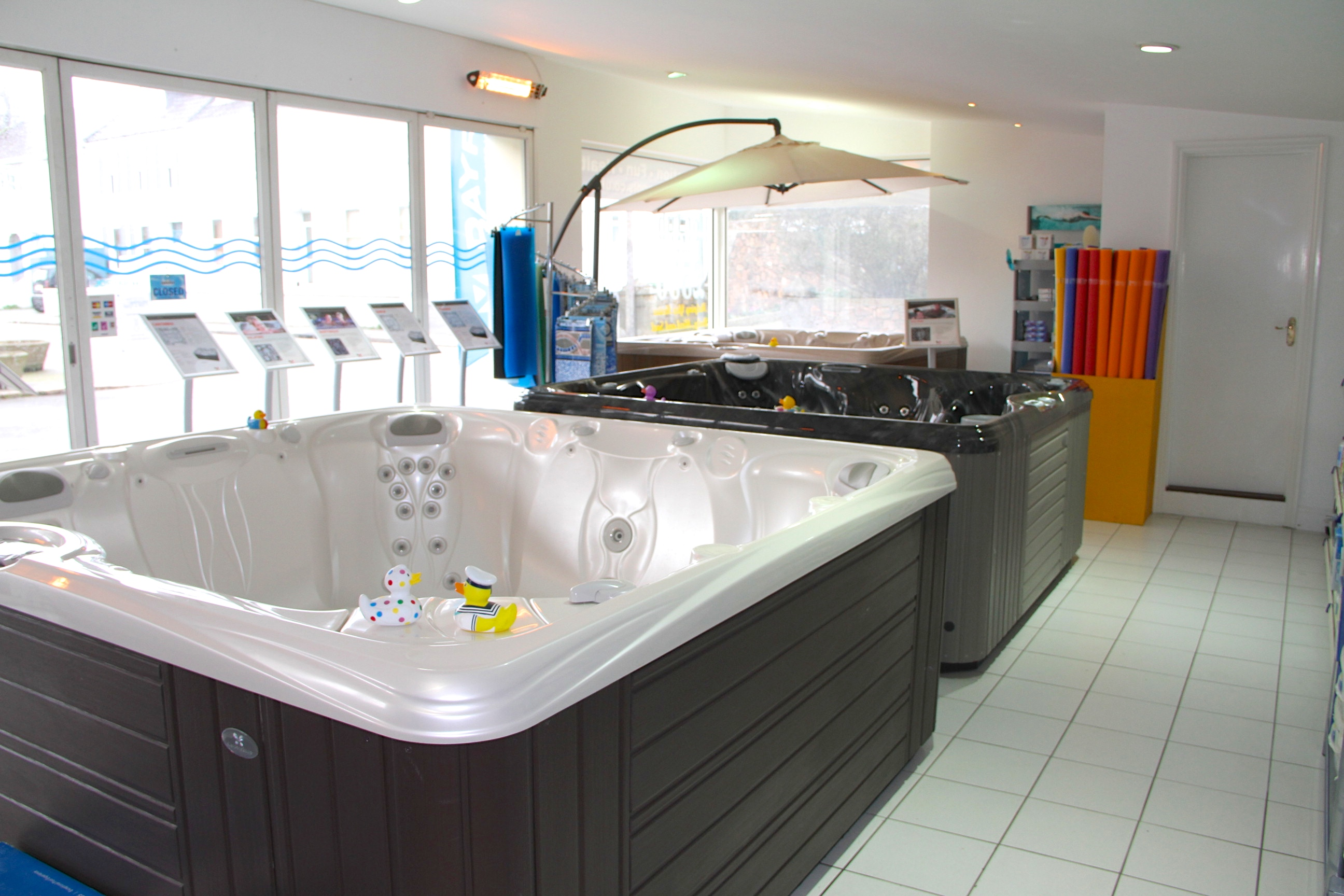 over styles our warehouse bathtub s in free showroom bathroom of builder bathtubs standing